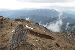 Crateras e montanhas